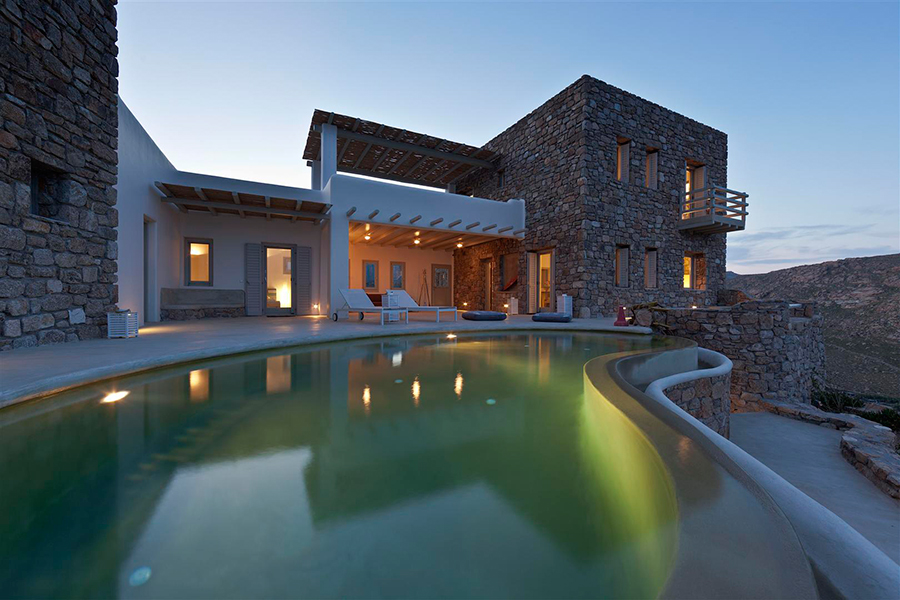 Spacious stone- built villa in Mykonos
